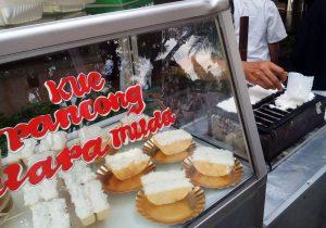 kuliner kaki lima khas Betawi, Kue Pancong