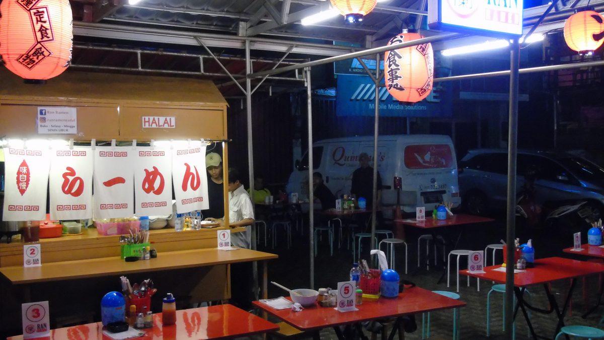 5 Kuliner Pinggir Jalan di Jakarta yang Sukses Bikin Ketagihan!