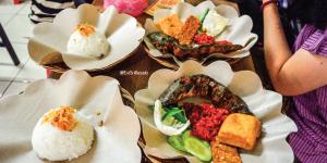 5 Pecel Lele Paling Enak di Bandung yang Bikin Nagih!, pecel lele paling enak di Bandung