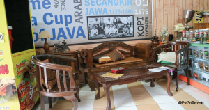 tempat ngopi murah di Bandung, Dekorasi Kedai Kopi Mang Japra
