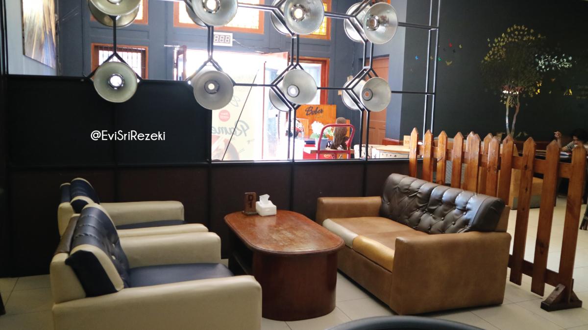 Daftar Cafe 24 jam di Bandung yang Hits Banget!