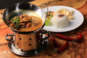 cafe Instagramable di Medan, Fish Curry Kito Floral Cafe & Restaurant