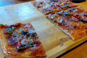 cafe Instagramable di Medan, American Pizza Lekker Urban Food House