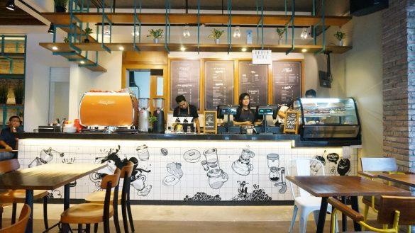 Konig Cafe dan Bar, tempat ngopi favorit di Surabaya