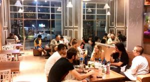 Sanctuary Cafe, tempat ngopi favorit di Surabaya, Carimakanaja.com