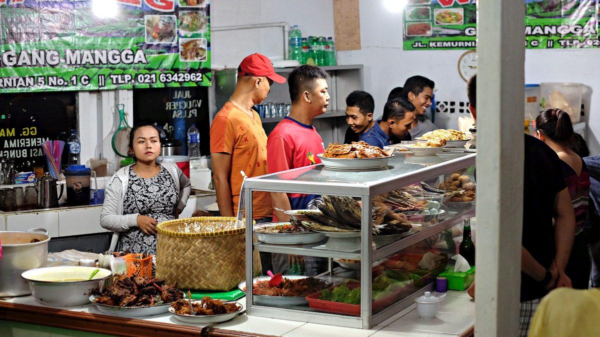5 Warteg Paling Enak di Jakarta yang Rasanya Gak Pernah Ngecewain