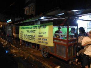Soto Kuning Pak Dayat, kuliner Suryakencana Bogor