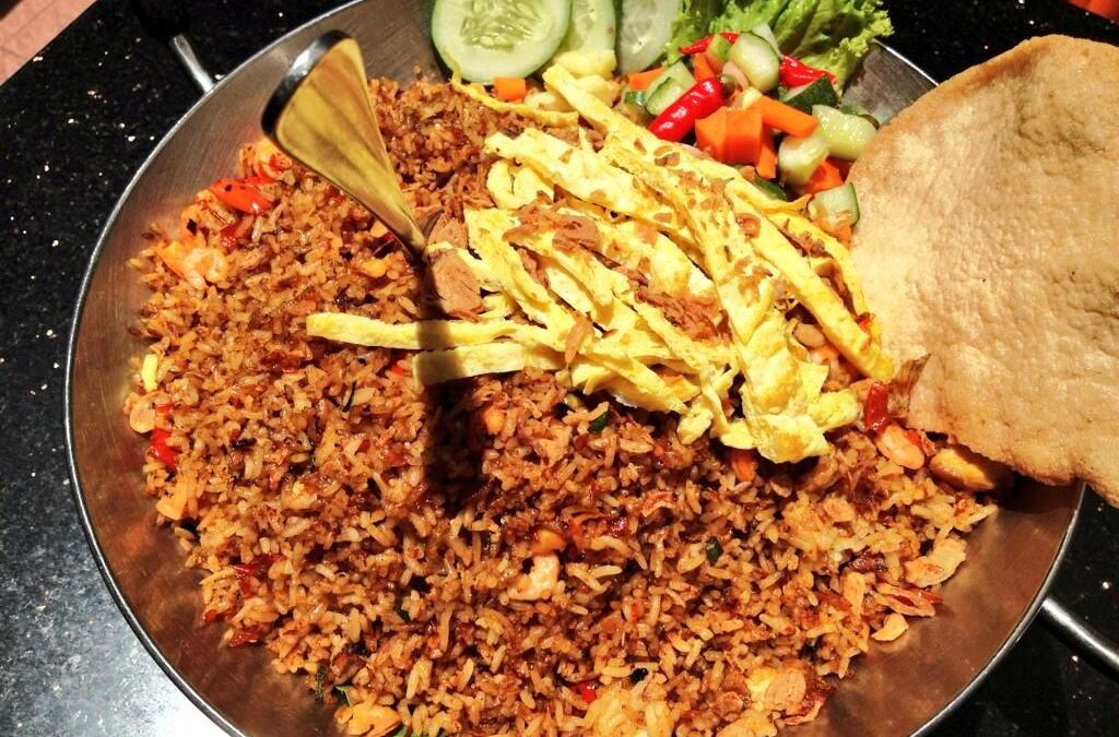 5 Nasi Goreng Terkenal di Surabaya yang Rasanya Bikin Kangen!