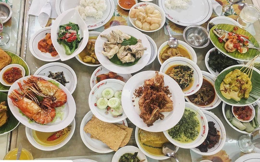 Kamu Pecinta Rendang? Cobain Dulu Rendang di 5 Restoran Padang Enak di Jakarta Ini