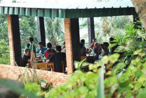 Resto Kebun Teduh, rumah makan Sunda lesehan di Bogor