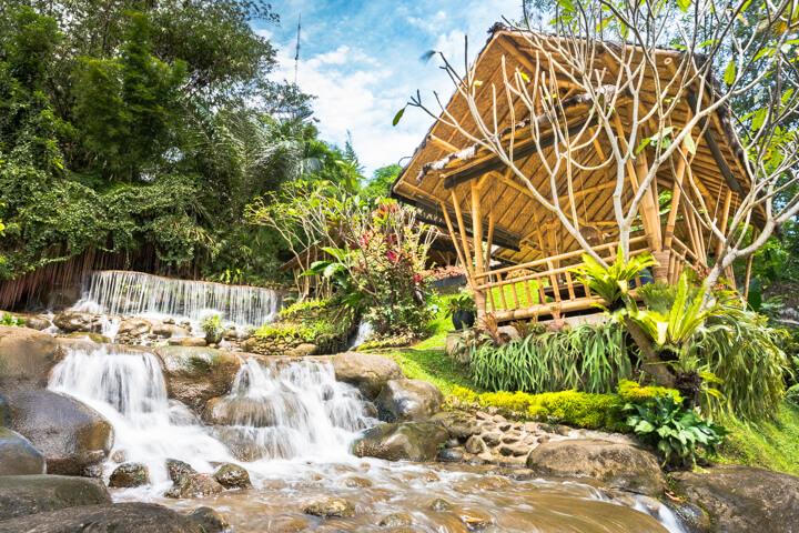 5 Rumah Makan Sunda Lesehan di Bogor Nan Asri Cocok untuk Keluarga