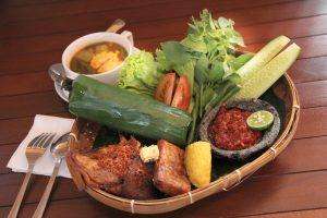 Nasi Timbel rumah air bogor, rumah makan Sunda lesehan di Bogor