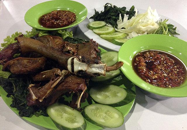 Bebek Pak Ndut, nasi bebek enak di Bogor. Carimakanaja