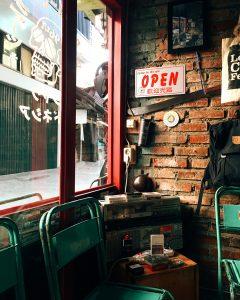 kopi susu hits di Bandung, Custom Coffee Garage