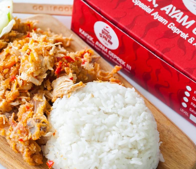 Sedap Mantap! Ini Dia 5 Ayam Geprek di Surabaya yang Bikin Klepek Klepek