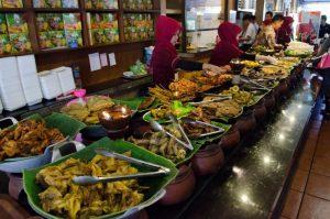 restoran Sunda paling enak di Bandung, Rumah Makan Ampera di Bandung