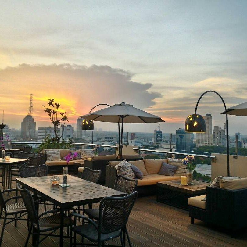 restoran rooftop di Surabaya, Sky 36, Cari Makan Aja