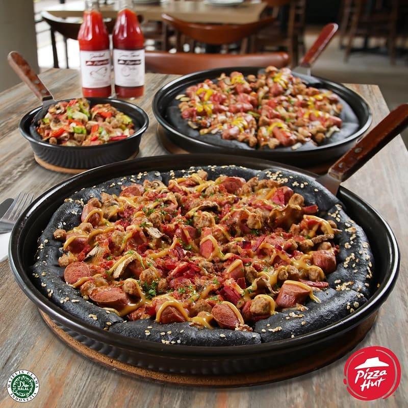 Pizza Hut 24 jam di Surabaya, Black Pizza, Cari Makan Aja