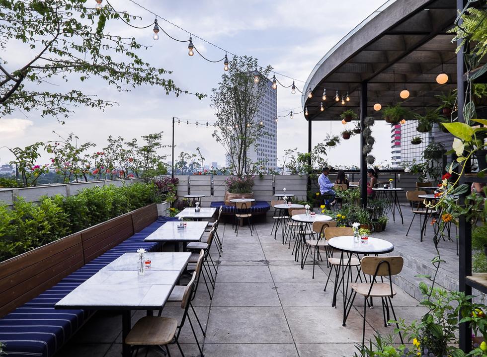 Hause Rooftop, Rekomendasi Restoran Untuk Tahun Baru, Carimakanaja.com
