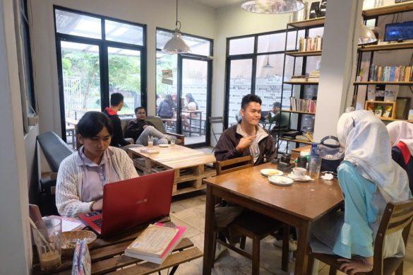 tempat makan hits di Bogor 2018, Maraca Books and Coffee, carimakanaja.com