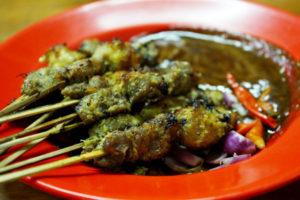 kuliner hits Surabaya, Sate Klopo Ondomehen Bu Asih, Carimakanaja.com