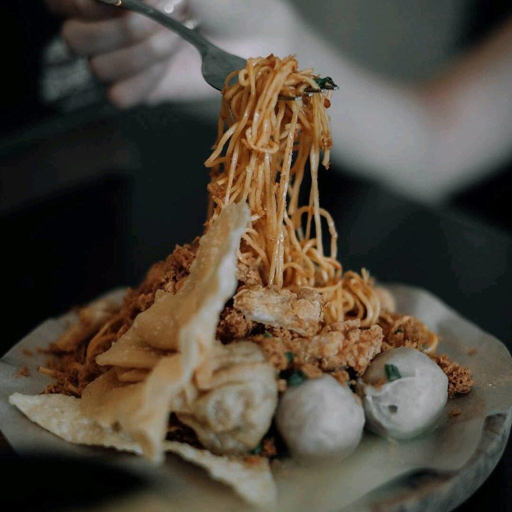 kuliner pedas di Malang, Mie Cobek, Cari Makan Aja