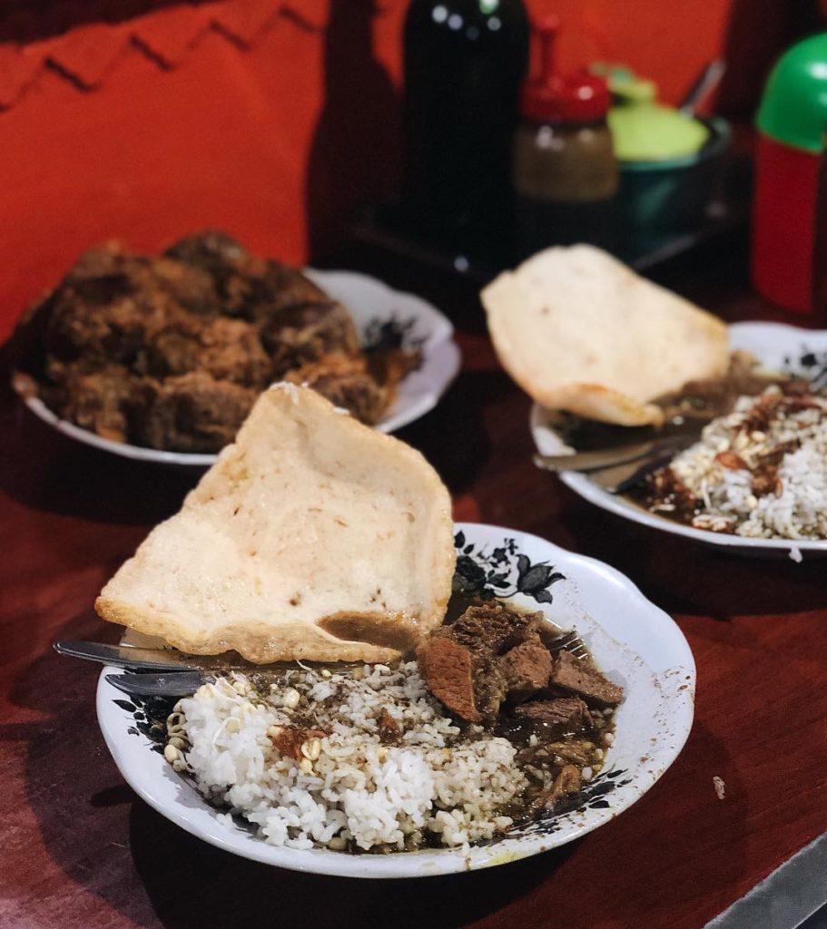 kuliner malam di Surabaya, Rawon Kalkulator, Cari Makan Aja