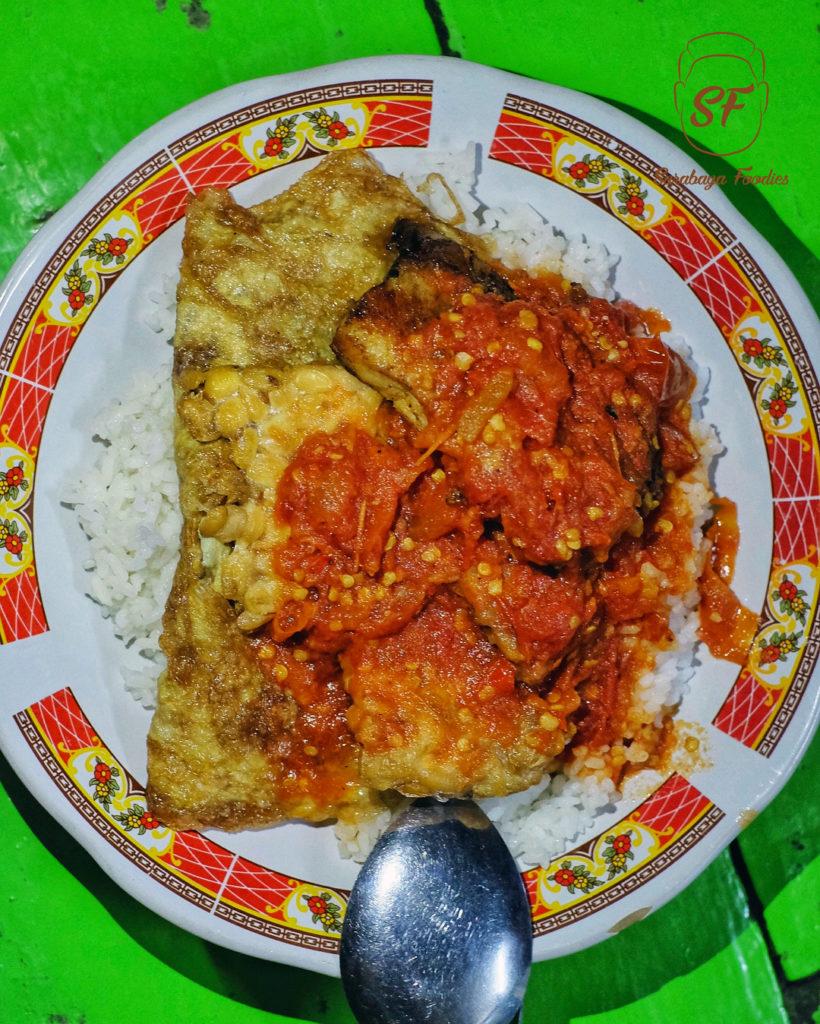 kuliner malam di Surabaya, Sego Sambel Mak Yeye, Cari Makan Aja