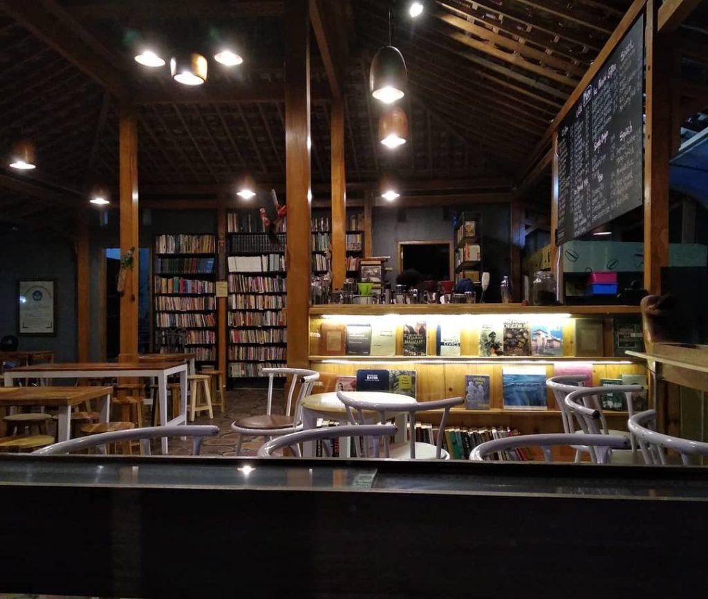 cafe murah di Solo, Cafe Bukuku Lawas, Cari Makan Aja