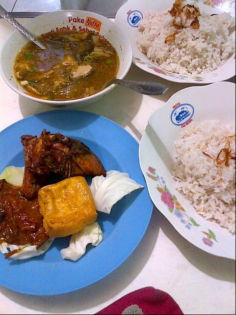 nasi uduk di Bandung, Nasi Uduk Bu Atun, Cari Makan Aja
