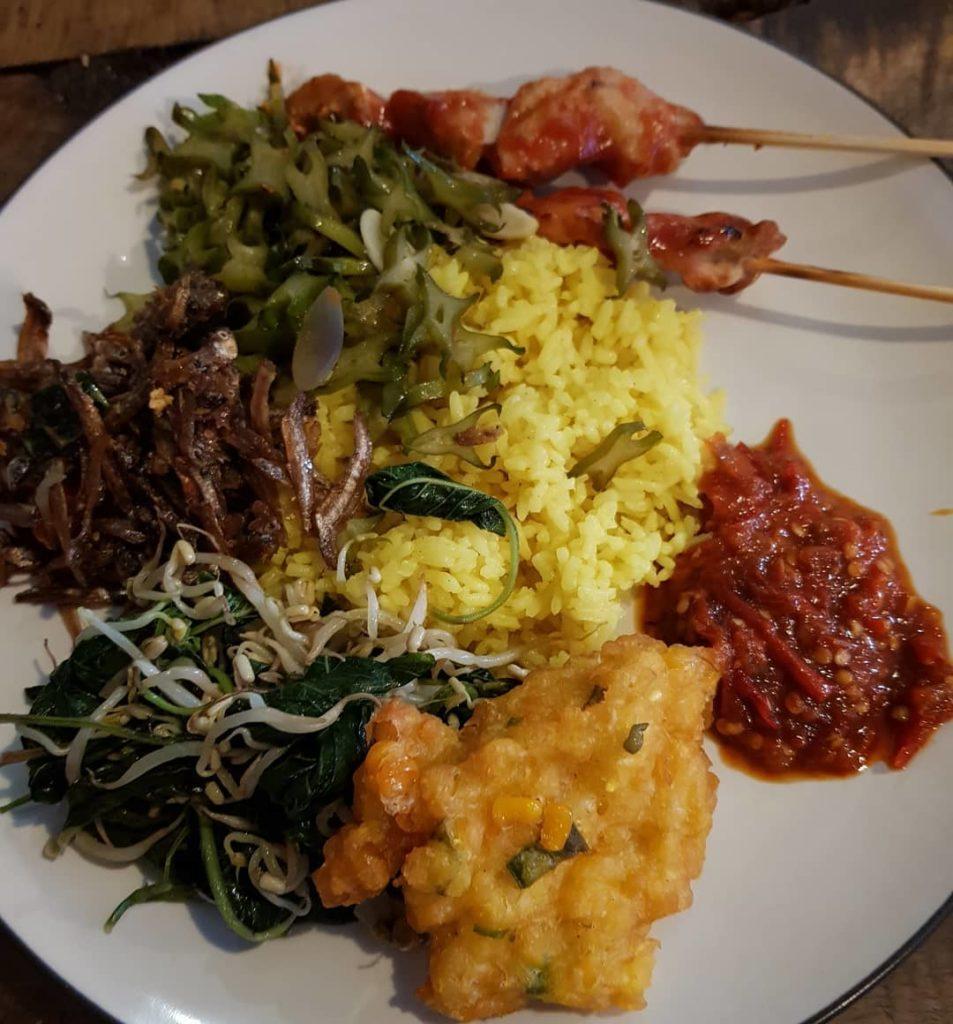 tempat sarapan di Bali, Warung Bu Mi, Cari Makan Aja