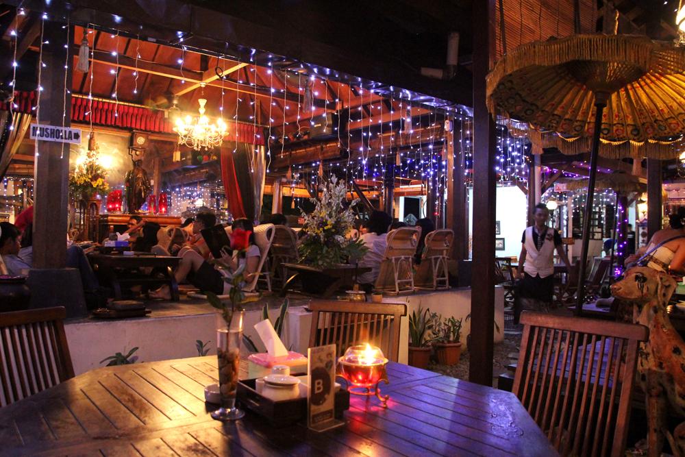 restoran keluarga di Yogyakarta, House of Raminten, carimakanaja.com