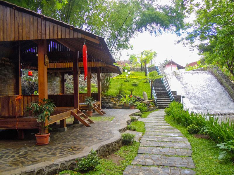 restoran keluarga di Yogyakarta, Pondok Makan Pelem Golek, carimakanaja.com