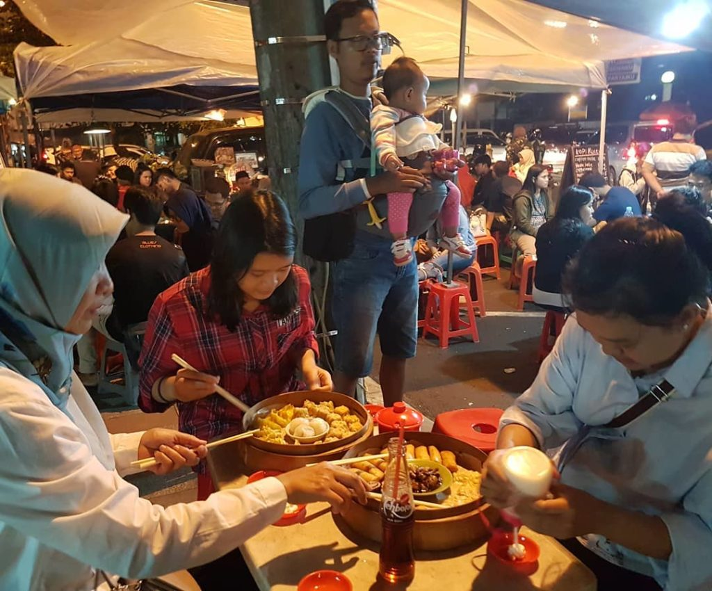 tempat makan 24 jam di Bandung, Kuliner Cikapundung, carimakanaja.com