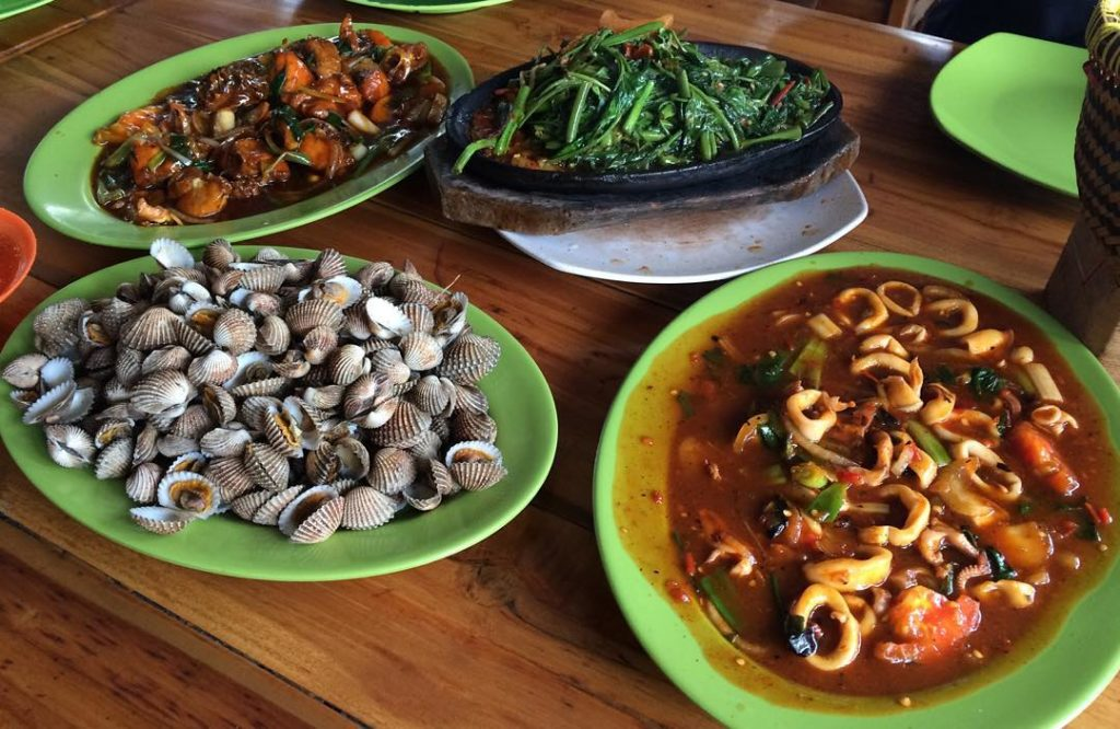 tempat buka puasa di Bandung, Seafood HDL 293, carimakanaja.com