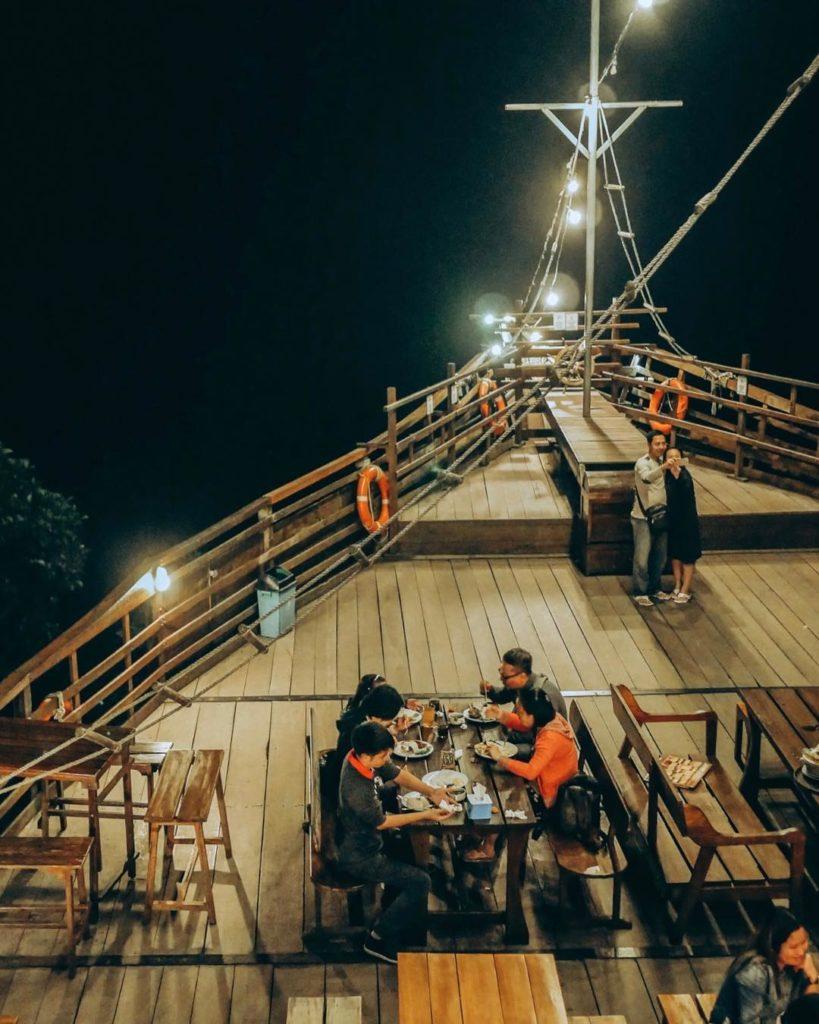tempat buka puasa di Bandung, Pinisi Resto, carimakanaja.com