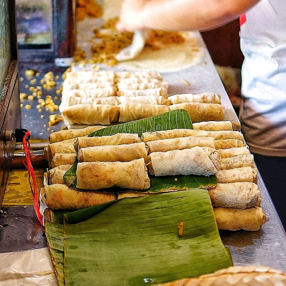 kuliner legendaris Semarang, Lumpia Gang Lombok, carimakanaja.com