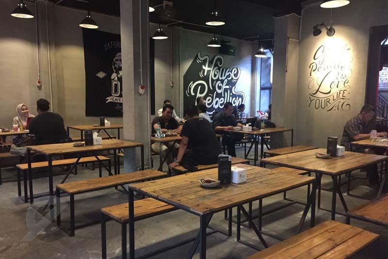 6 Cafe 24 Jam di Surabaya Paling Favorit Dikunjungi