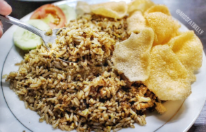 Nasi Goreng Kebuli Apjay, Carimakanaja.com (Sumber: Pergikuliner.com)