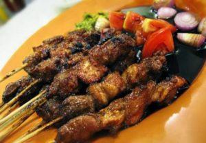 Sate Biawak, Carimakanaja.com (Sumber: budaya-indonesia.com)