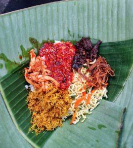 Nasi Jinggo, Street food di Bali, Carimakanaja.com (Sumber: idntimes.com)
