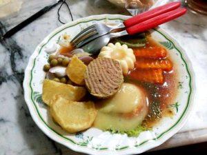 Warung Selat Solo Mbak Lies, Kuliner Kaki Lima Solo, Carimakanaja.com (Sumber: wowkeren.com)